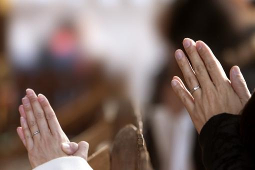 安産祈願に行く際、何を持参するのか知っていますか?